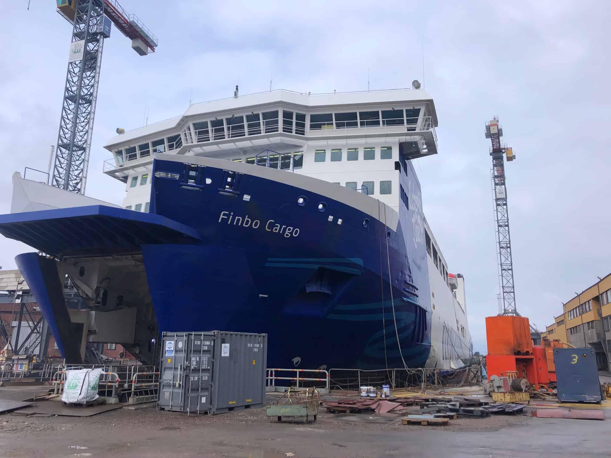 Finbo Cargo isoleras med SprayTec